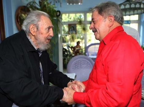 Lula anuncia viagem para Rússia e Cuba. É a fuga!