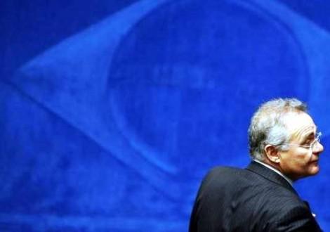 Atordoado com a pancada, Renan se esconde de Oficial de Justiça