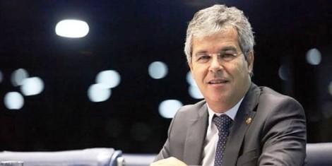 Jorge Viana apoia Renan e se revela ao PT
