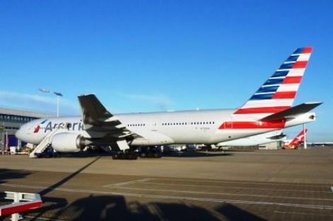 Briga de casal dentro de avião força pouso de emergência (Veja o vídeo)