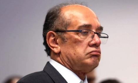 Estranhamente Gilmar Mendes não aparece no funeral de Mário Soares