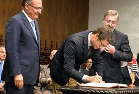 Por que Geraldo Alckmin blinda Ricardo Salles?