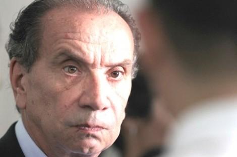 Novo ministro da Relações Exteriores perde a cabeça, xinga repórter e parte para a briga (veja o vídeo)