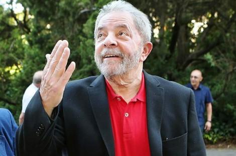 Uma análise sobre a 'obra' de cada um dos intelectuais que querem Lula presidente