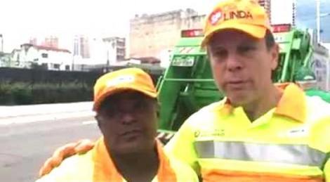 Para conhecer a realidade do trabalhador, Dória sai no caminhão da limpeza pública (veja o vídeo)