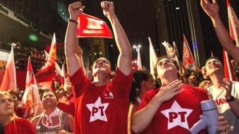 50 mil militantes petistas irão invadir Curitiba para evitar prisão de Lula