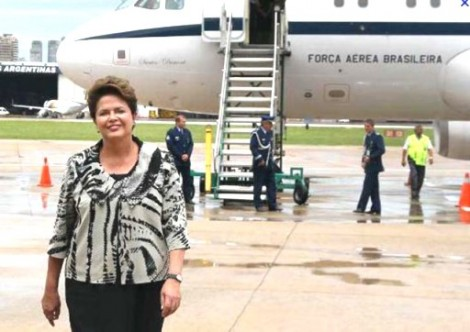 Dilma inicia hoje nova viagem pelo exterior com quatro assessores e por nossa conta