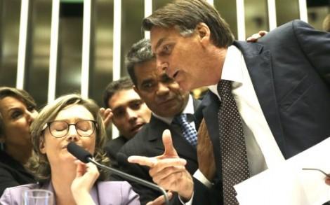 Após inclusão de Maria do Rosário em lista de Fachin, Bolsonaro posta vídeo tripudiando (veja o vídeo)