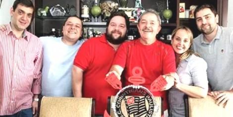 Em clima de apreensão, Lula reúne a família neste domingo