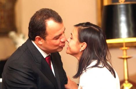 Adriana abandona Cabral e negocia delação