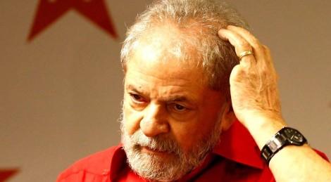 Lula, medroso, ainda tenta hoje última cartada para não depor em Curitiba