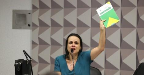 Janaína faz memorável pronunciamento e pede que a Constituição seja seguida (Veja o vídeo)