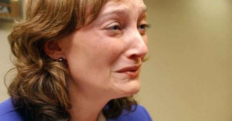 Rosário reage, ameaça processar Gentili e é detonada em seu próprio Twitter