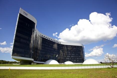 Quanto custa o TSE? Um absurdo e quem paga é o povo brasileiro