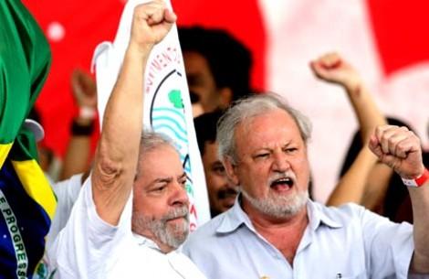 Em nota oficial, PT prega 'luta aberta na rua' em caso de condenação de Lula