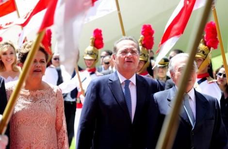 Poltrões, corruptos e patifes não podem cantar o hino nacional brasileiro