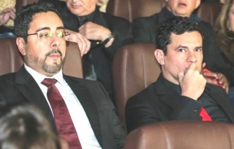 Pré-estreia de filme da Lava Jato é concorrida, reúne Bretas e Moro e evidencia 'dupla'