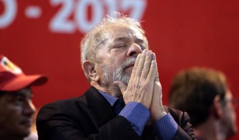 Lula assume em discurso que está acima do bem e do mal