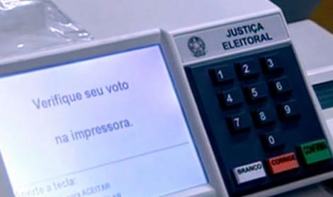 Urna eletrônica brasileira: desatualizada e suspeita