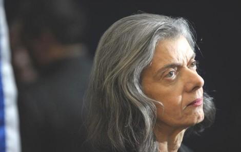 Cármen Lúcia confessa que esconde coisas do povo brasileiro