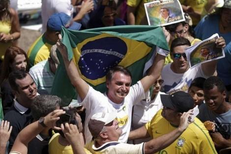 A elite intelectual brasileira se esforça para eleger Jair Bolsonaro
