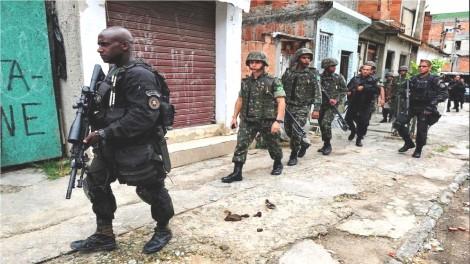 Moradores da Rocinha preparam ações indenizatórias contra o Exército