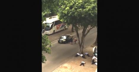 Flagrante de assalto a vários ônibus demonstra que o Rio virou terra de ninguém (veja o vídeo)