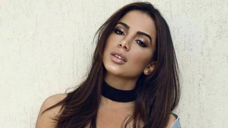 Blogueira ameaça divulgar vídeo de Anitta cheirando cocaína (veja o vídeo)