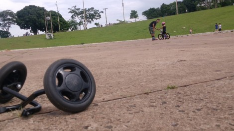 Tirando as Rodinhas - a bicicleta como veículo do amor