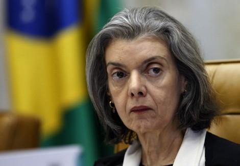 Cármen Lúcia se antecipa e diz que concederá HC em caso de prisão de Lula