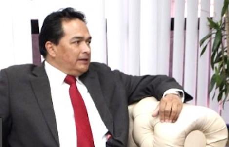 """Governo vai conduzir """"na marra"""" e """"sob vara"""" embaixador da Venezuela até a fronteira"""