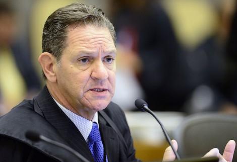 Pai ministro e corregedor do CNJ analisa caso em que filhos advogam e Gilmar deu liminar