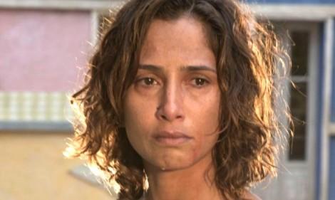 """Camila Pitanga é hostilizada e insultada em shopping: """"petista escrota"""""""