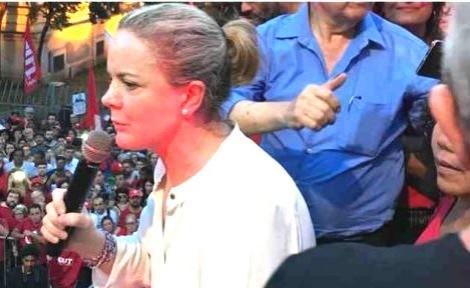 """Após alterar cena do atentado, Gleisi discursou para despertar o ódio: """"Querem matar o presidente Lula"""" (Veja o Vídeo)"""