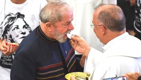 Em São Bernardo, Lula reza missa e na ONU, atribui a Marisa o crime do tríplex