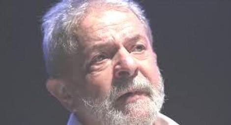 Ação da militância vai acabar com benefício de Lula, que deverá ser transferido para presídio