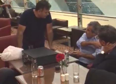Homem flagra senadores do MDB, PSDB e PT brindando em bar em Dubai e detona (Veja o Vídeo)
