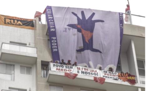 URGENTE: MTST invade o tríplex do Guarujá