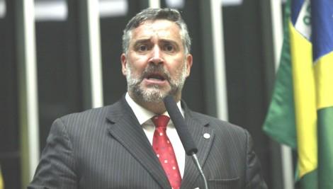 Paulo Pimenta se acovarda e não cumpre ameaça feita a juíza