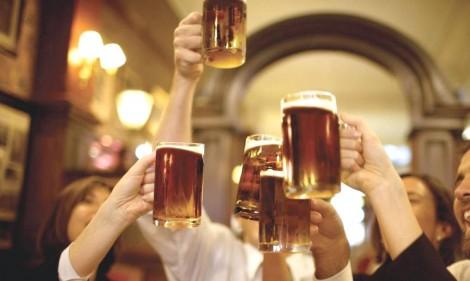 Decisão do patético TSE libera a distribuição de cerveja no próximo pleito