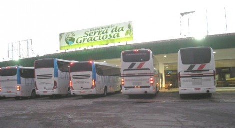 Petistas, a caminho de Curitiba, dão gigantesco calote em restaurante na estrada