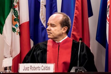 Gravado na prática do crime, juiz petista da Corte de Direitos Humanos pede afastamento