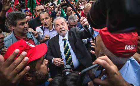 Ciente do indeferimento do registro de Lula, PT prepara campanha contra o TSE