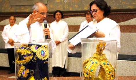 O discurso do padre, um atentado contra a fé católica (Veja o vídeo, que faz cair a máscara)