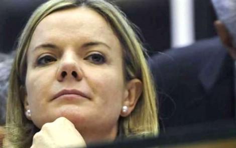 Gleisi dispensa Zanin e novo advogado do PT tem encontro com juíza Carolina Lebbos nesta segunda