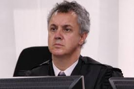 Gebran Neto revoga soltura de Lula e detona farra petista