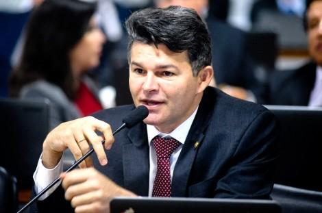Senador representa no CNJ contra desembargador petista (Veja o Vídeo)