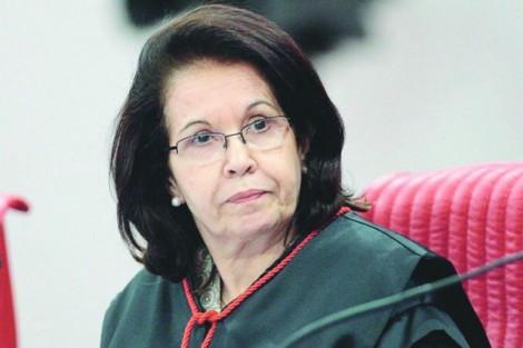 Decisão de ministra impede moralmente desembargador de entrar na sede do TRF-4