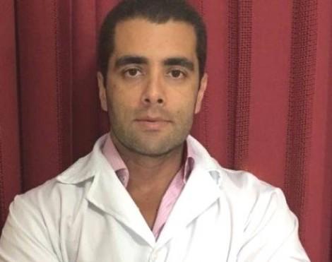"""Procura-se o Dr. Bumbum, o médico foragido, """"estrela"""" das redes sociais"""