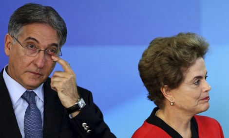 Teimosia de Dilma esfacela candidatura de Pimentel